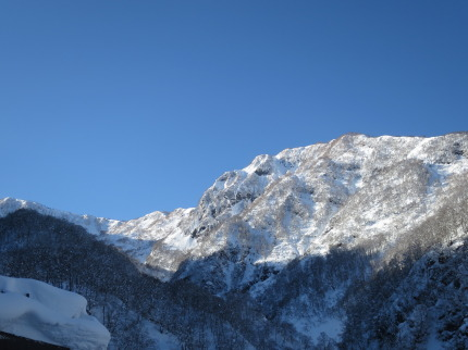 山々の雪景色
