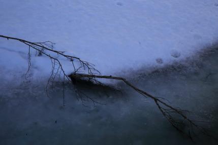 凍てつく寒さも感じられ