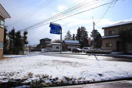 朝方に雪が降りました