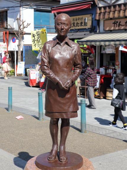 さくらの銅像