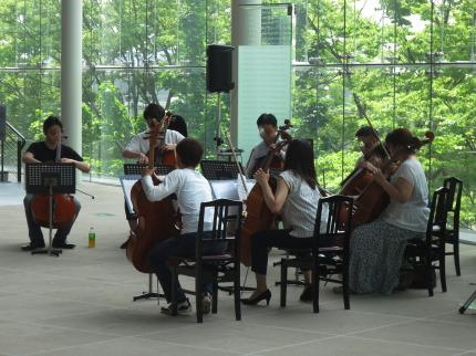 管弦楽の生演奏