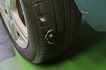 タイヤパンクを修理