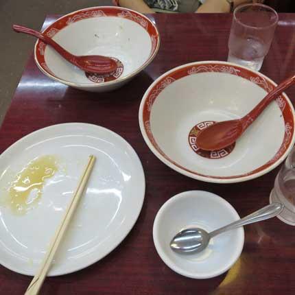 丼いっぱいのお粥を平らげました