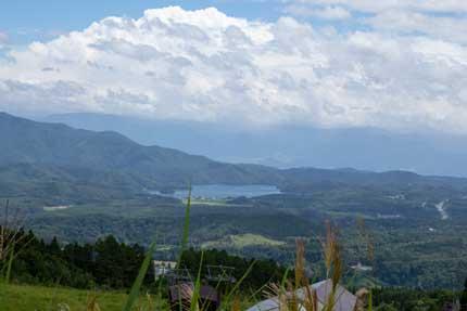 野尻湖を一望できる景色