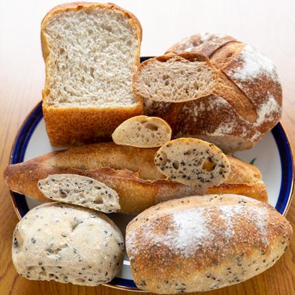 自家製天然酵母のパンばかり