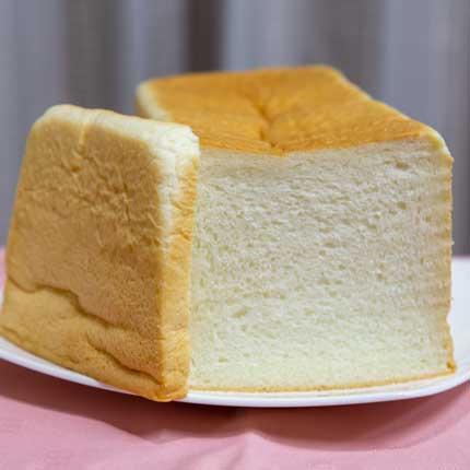 少し小さめの食パン