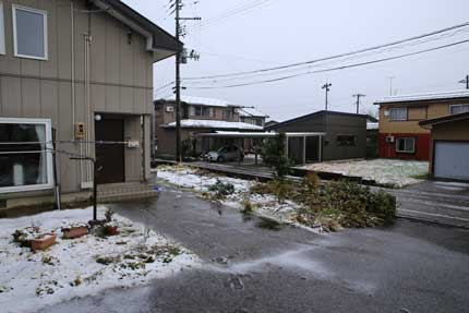 上越市大貫に雪が降りました