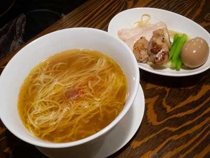 鶏塩上湯麺(とりしおしゃんたんめん塩らーめん)900円税込