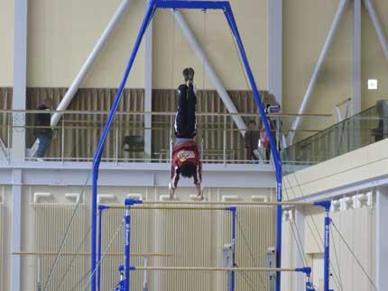 吊り輪の演舞