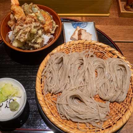 ランチセットメニューAセット(ざるそば+野菜天丼)1180円税込+海老付き120円税込