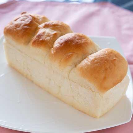 ふわふわ食パン330円税込
