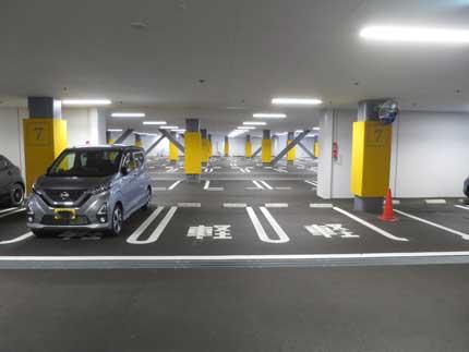 駐車場からがらがら