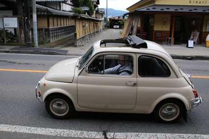 可愛らしい車