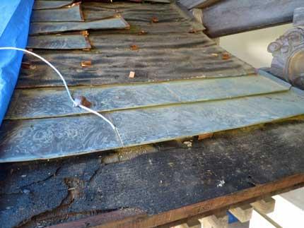 屋根の銅版