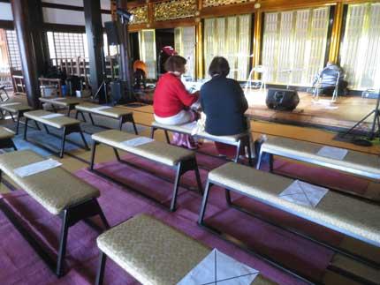 すこし座席間隔を空け、新型コロナウイルス感染予防対策
