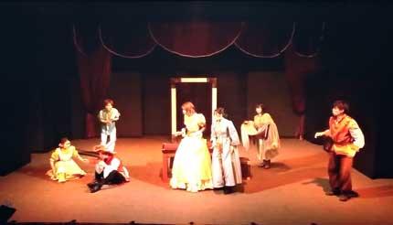 演技は、例年通り素晴らしく楽しめる演劇