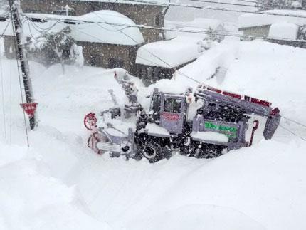 大型の除雪車