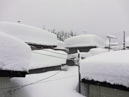 雪下ろししてない家