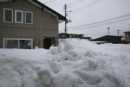 1月17日(日)、上越市大貫の雪