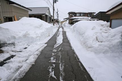 脇道の除雪も進み