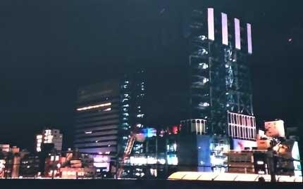新宿ミラノ座跡地で建設中のビル