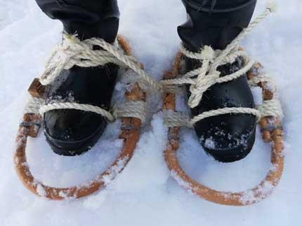 長靴に縛ってつけます