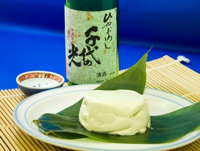 青大豆豆腐と日本酒