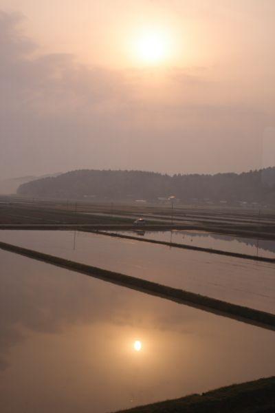 ほくほく線からの朝日