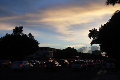 夕焼け空を見上げて