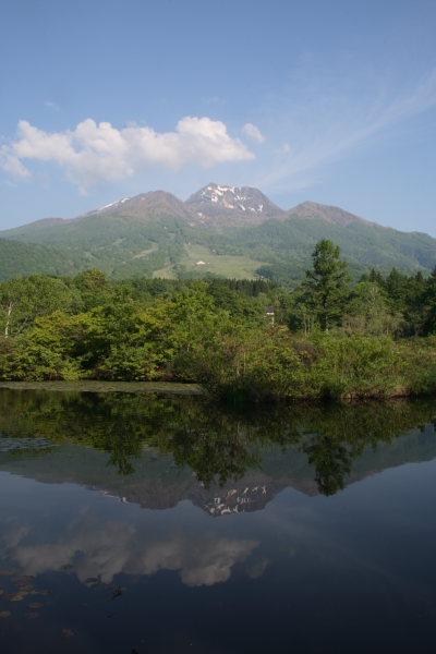 青い空と妙高山