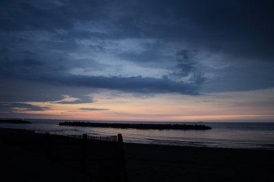 日没後のな青い空と雲